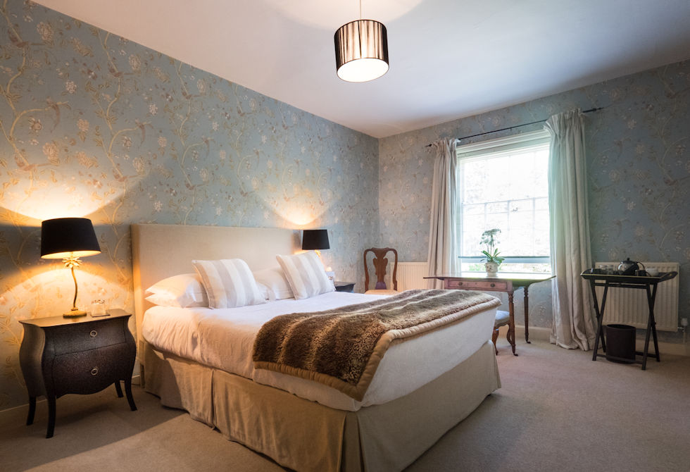 Old whyly house parties boutique bed breakfast in for Luxury boutique bed and breakfast